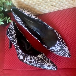 Nine West heels, black and white floral print 8.5M